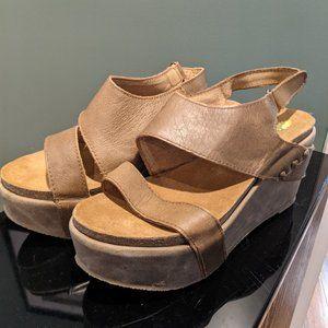 Platform Sandals NWOT